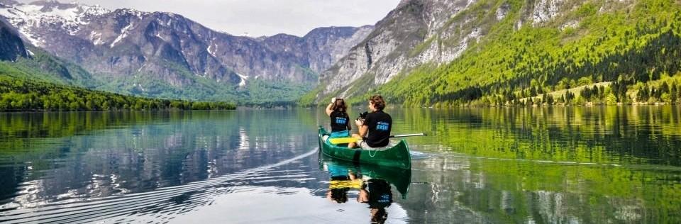 Kanoen op Bohindj lake